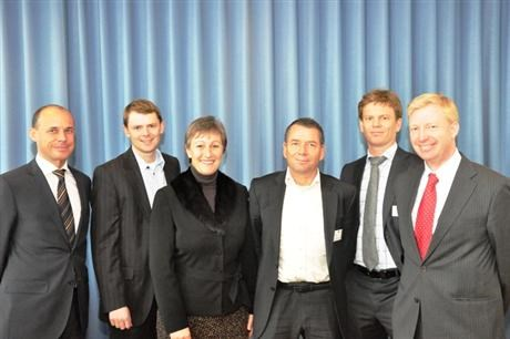 Innotech Solar AS and Statkraft people in front of blue backdrop